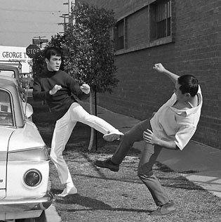 Bruce Lee Jeet Kune Do Techniques: Side-Kick Combo