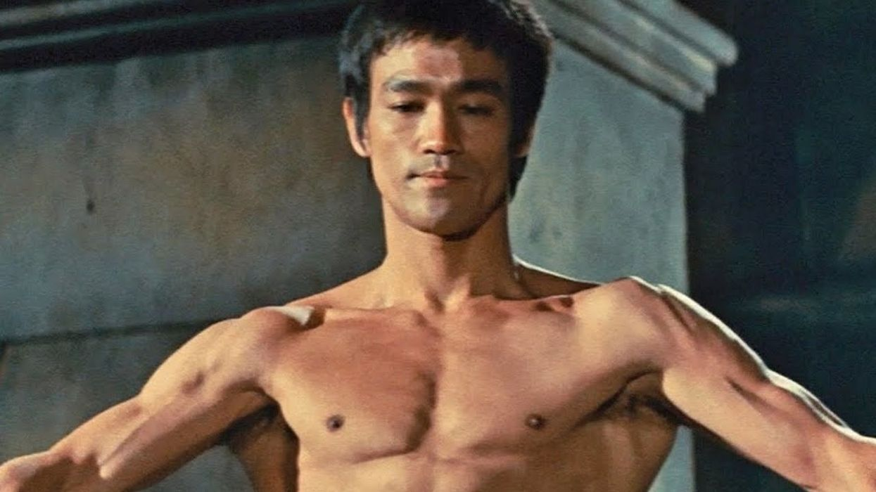 Liberate Yourself From Classical Karate, the Masterpiece Written by Bruce Lee!