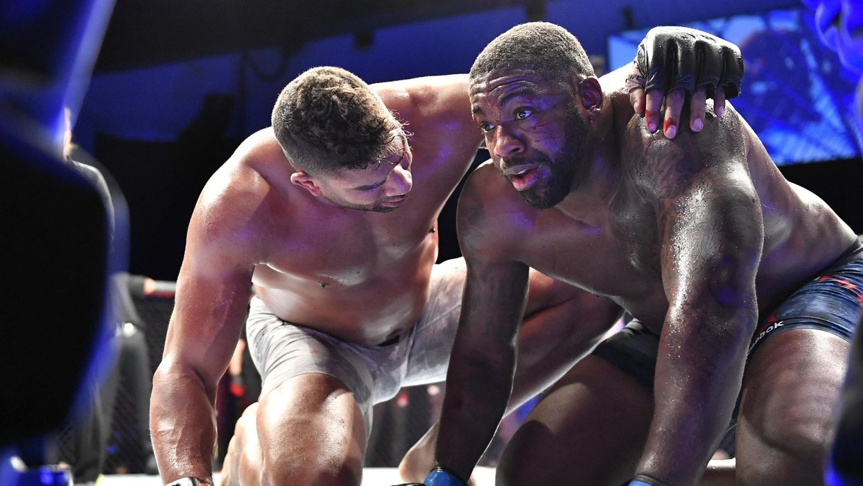 https://www.independent.co.uk/sport/general/mma/ufc-results-harris-overeem-knockout-fights-stepdaughter-a9518761.html?amp