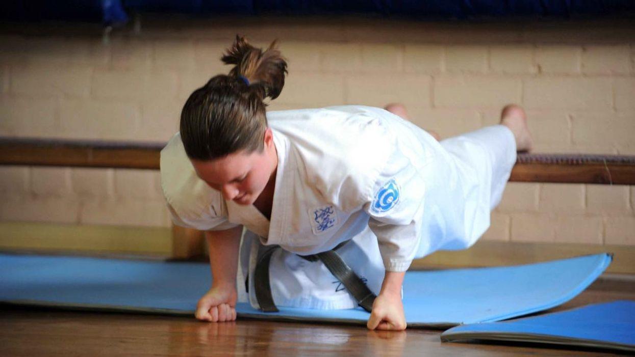 Karate pushup
